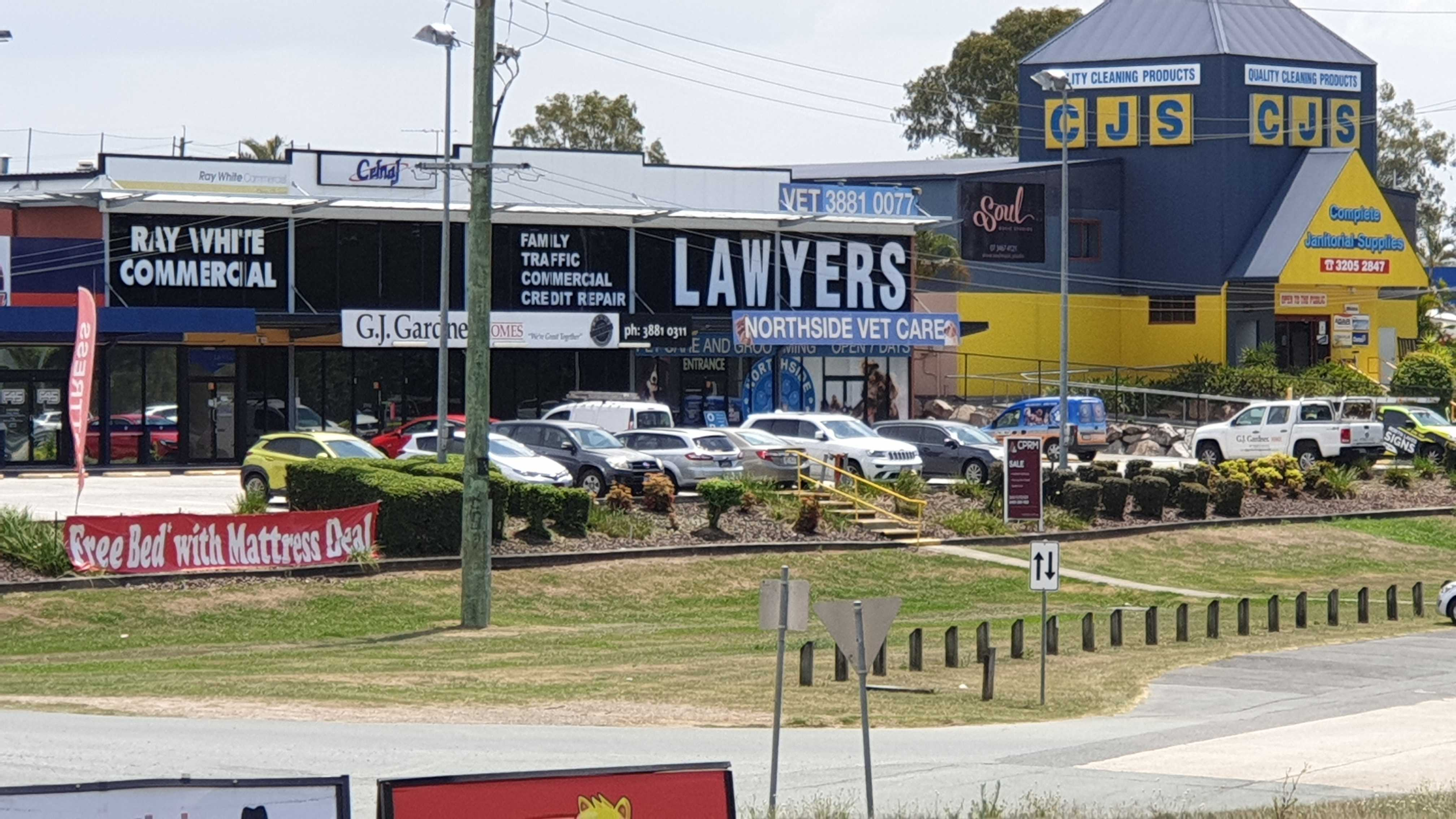 Big Lawyers Sign On Gympie Road Strathpine